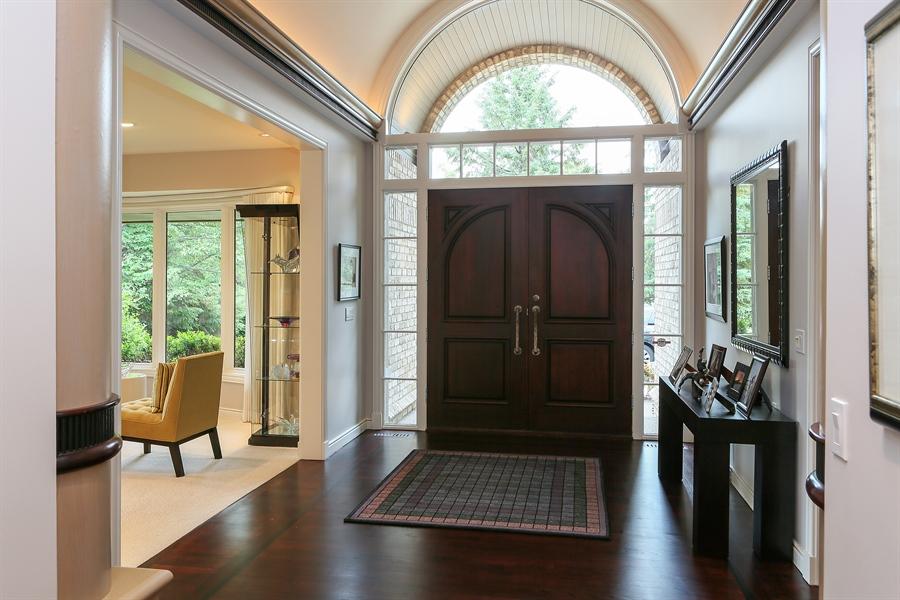 Real Estate Photography - 3560 Fairway Court, Minnetonka, MN, 55305 - Foyer