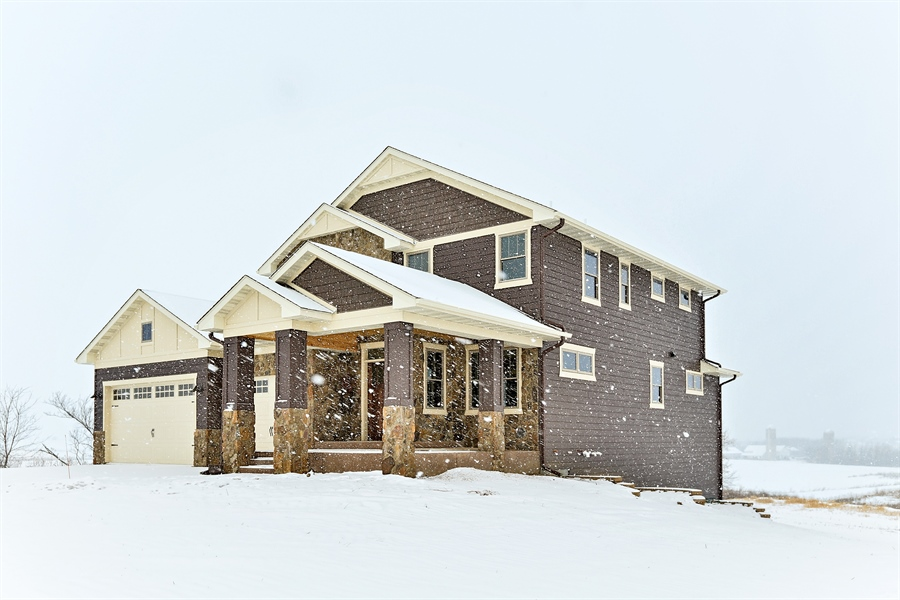 Real Estate Photography - 582 Schwalen DR, Hudson, WI, 54016 - Front View