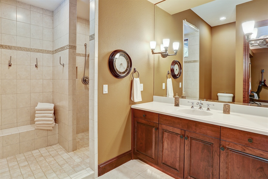 Real Estate Photography - 9720 Towering Oaks, Prior Lake, MN, 55372 - 3rd Bathroom