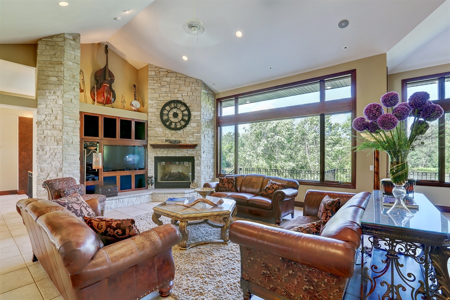 Real Estate Photography - 9720 Towering Oaks, Prior Lake, MN, 55372 - Living Room