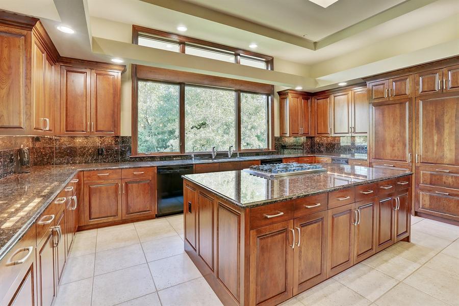 Real Estate Photography - 9720 Towering Oaks, Prior Lake, MN, 55372 - Kitchen