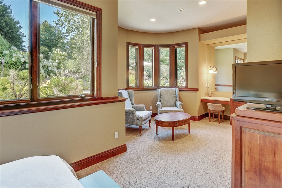 Real Estate Photography - 9720 Towering Oaks, Prior Lake, MN, 55372 - Bedroom