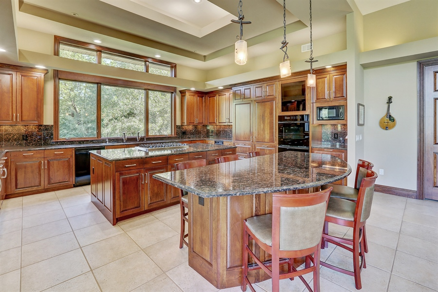 Real Estate Photography - 9720 Towering Oaks, Prior Lake, MN, 55372 - Kitchen / Breakfast Room