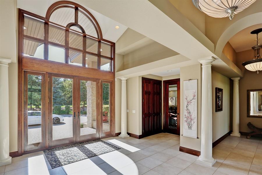 Real Estate Photography - 9720 Towering Oaks, Prior Lake, MN, 55372 - Foyer