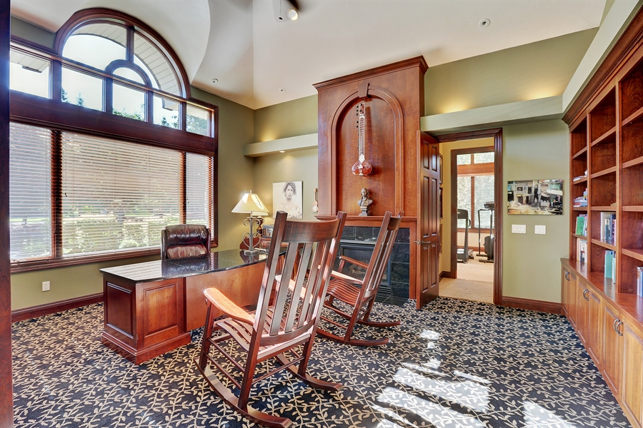 Real Estate Photography - 9720 Towering Oaks, Prior Lake, MN, 55372 - Library
