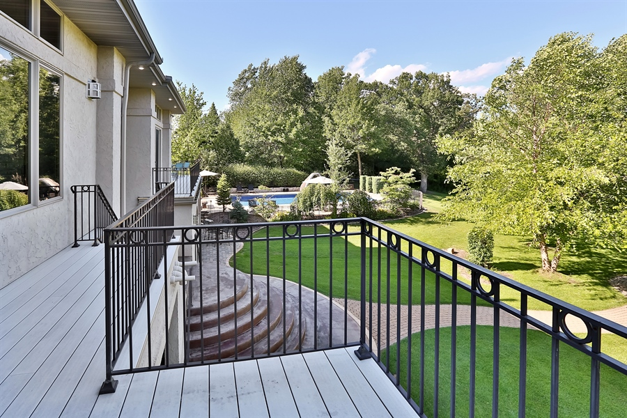 Real Estate Photography - 9720 Towering Oaks, Prior Lake, MN, 55372 - Deck