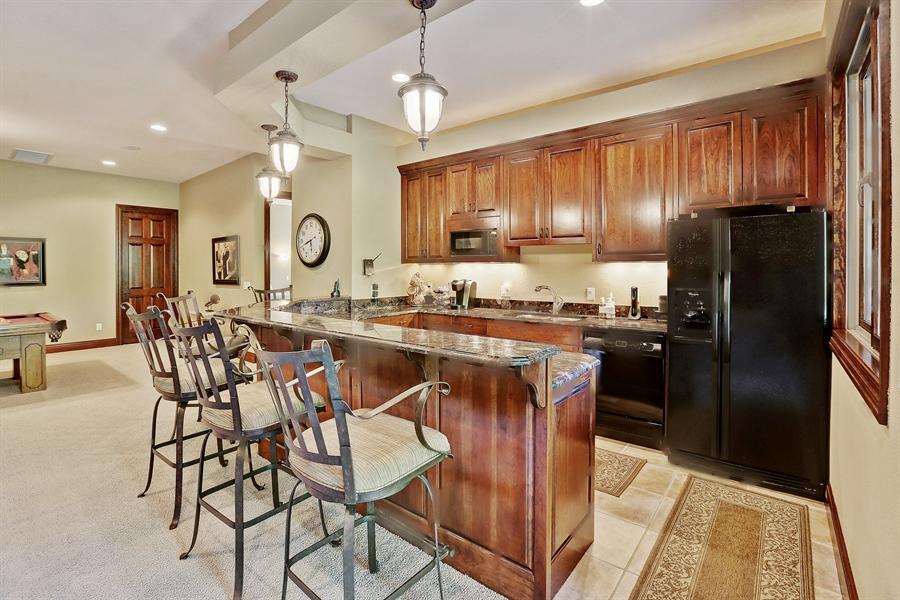 Real Estate Photography - 9720 Towering Oaks, Prior Lake, MN, 55372 - Bar