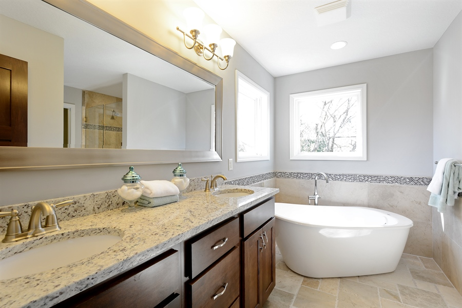 Real Estate Photography - 12151 Sunnybrook Rd, Eden Prairie, MN, 55347 - Master Bathroom
