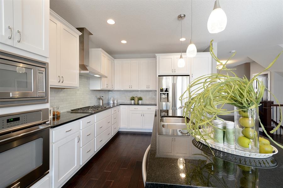 Real Estate Photography - 12151 Sunnybrook Rd, Eden Prairie, MN, 55347 - Kitchen