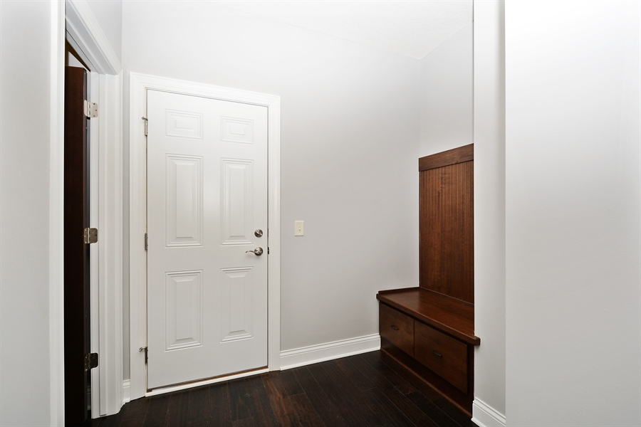Real Estate Photography - 12151 Sunnybrook Rd, Eden Prairie, MN, 55347 - Entryway