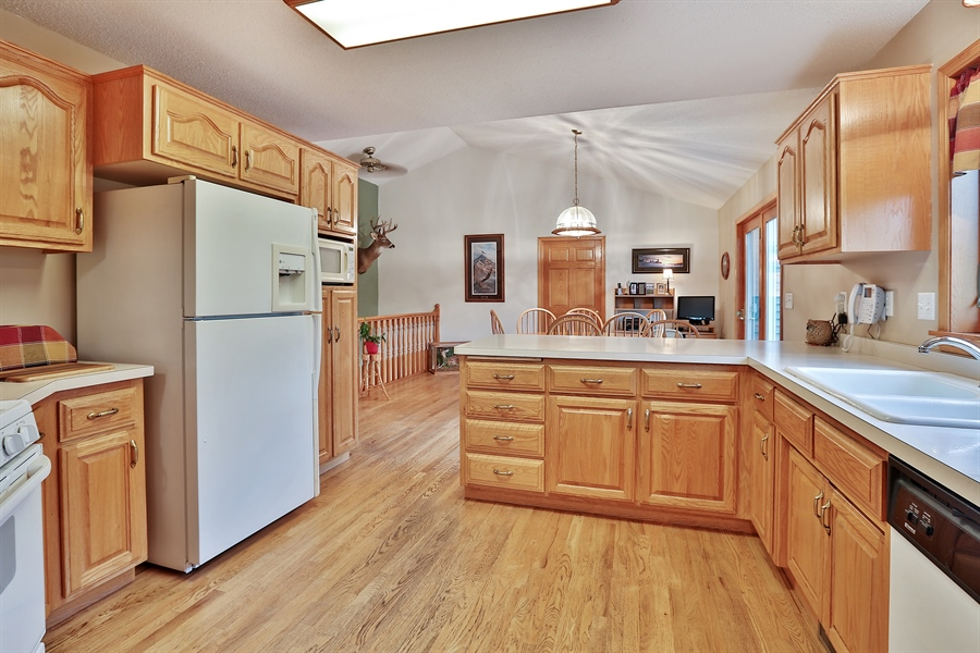 Real Estate Photography - 1060 Cottonwood Dr, Hudson, WI, 54016 - Kitchen