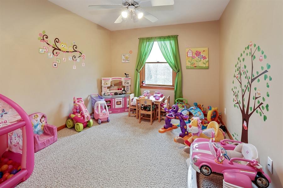 Real Estate Photography - 1060 Cottonwood Dr, Hudson, WI, 54016 - Bedroom