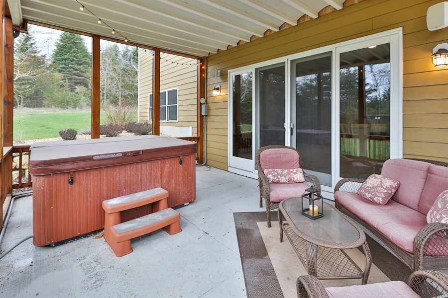 Real Estate Photography - 369A Milwaukee Rd, Hudson, WI, 54016 - Porch
