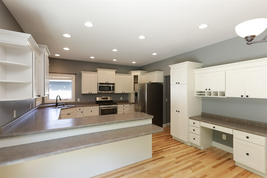 Real Estate Photography - 5569 Cannondale Ct, Red Wing, MN, 55066 - Kitchen
