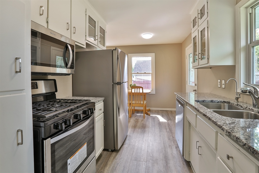 Real Estate Photography - 6225 France Ave N, Brooklyn Center, MN, 55429 - Kitchen