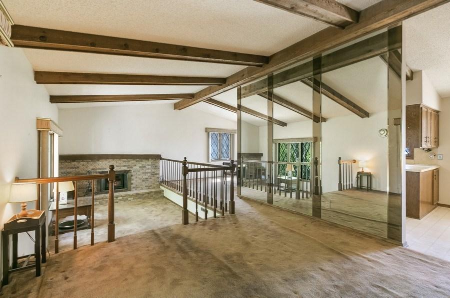 Real Estate Photography - 13421 Penn Ave S, Burnsville, MN, 55337 - Living Room