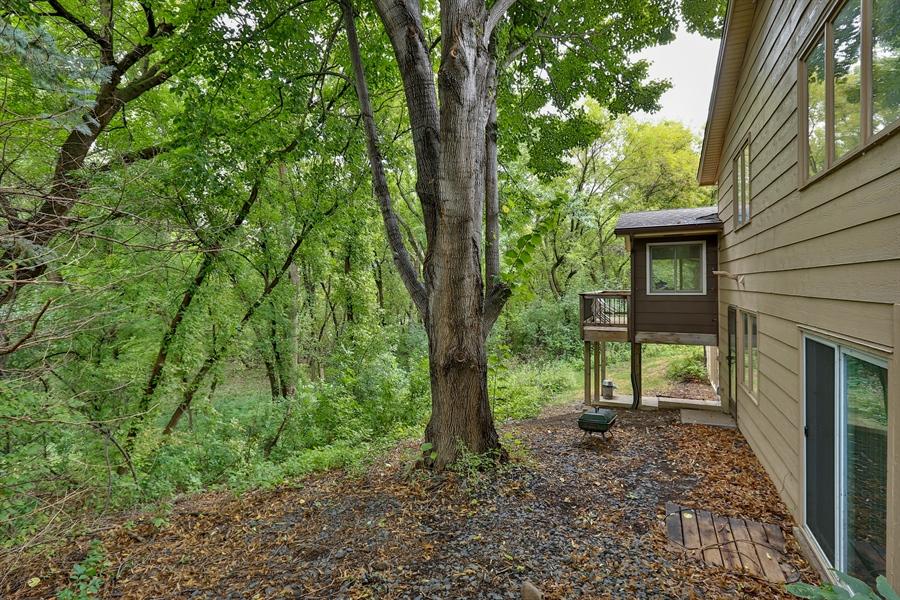 Real Estate Photography - 13421 Penn Ave S, Burnsville, MN, 55337 - Side Yard