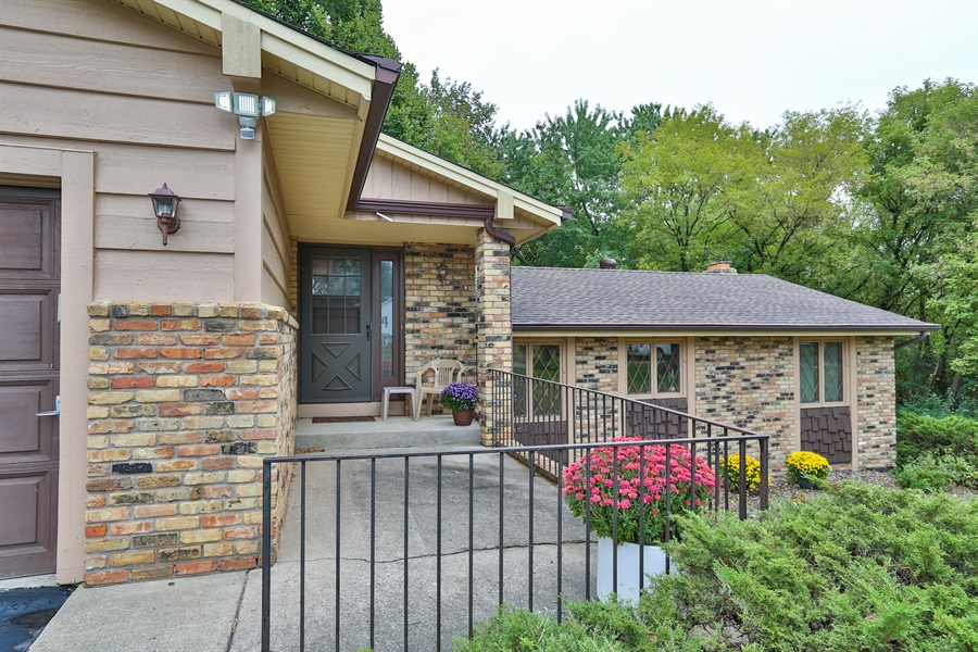 Real Estate Photography - 13421 Penn Ave S, Burnsville, MN, 55337 - Front View