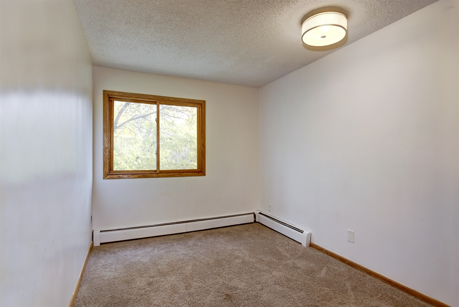 Real Estate Photography - 1601 N Innsbruck, Unit 335, Fridley, MN, 55432 - 2nd Bedroom