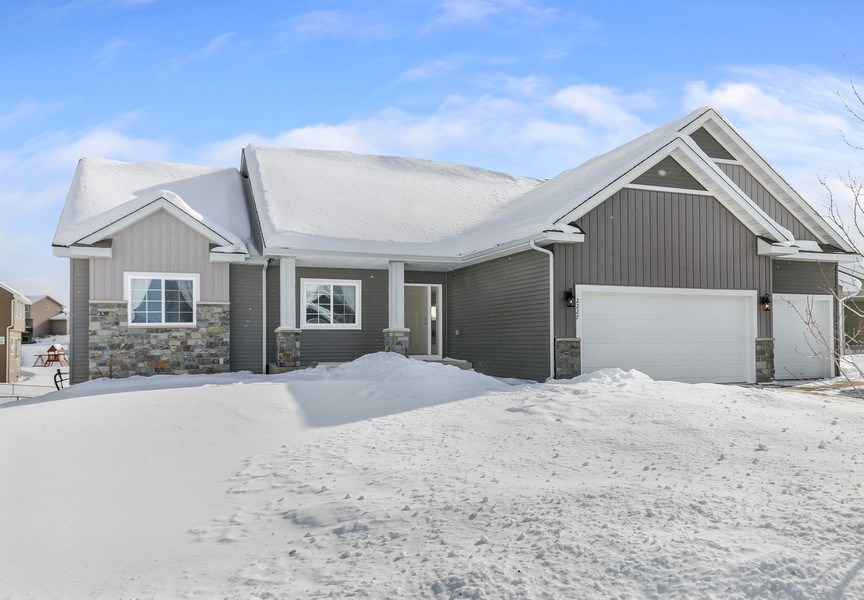 Real Estate Photography - 2227 Longhorn Ln, Buffalo, MN, 55313 - Front View