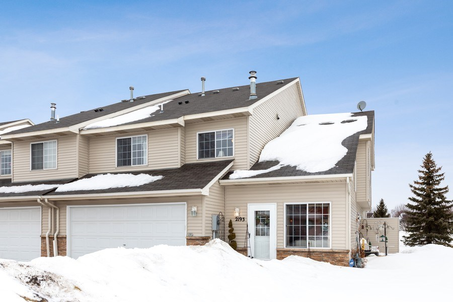 Real Estate Photography - 2193 Flamingo Drive, Shakopee, MN, 55379 - Front View