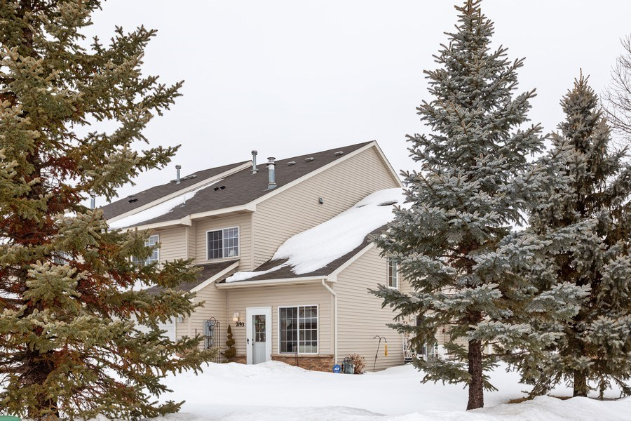 Real Estate Photography - 2193 Flamingo Drive, Shakopee, MN, 55379 - Side View
