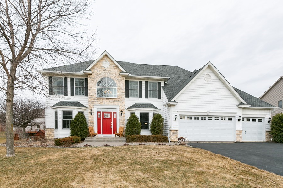 Real Estate Photography - 9817 211th Street, Lakeville, MN, 55044 - Front View