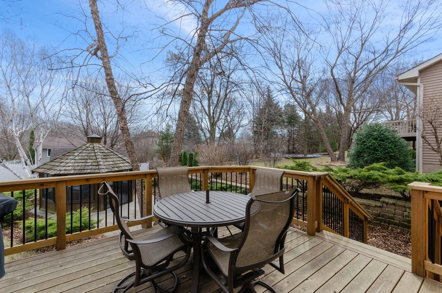 Real Estate Photography - 4222 Yorktown Drive, Eagan, MN, 55123 - Deck