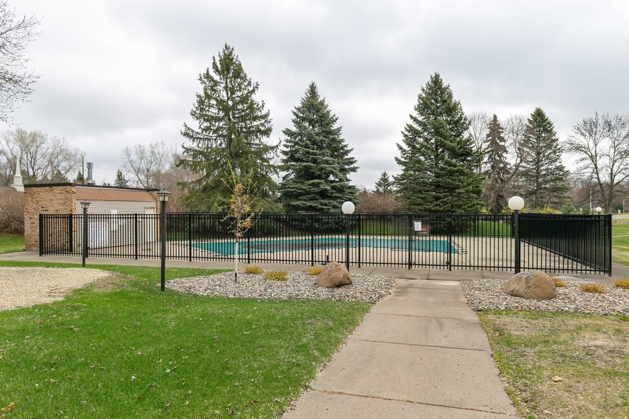 Real Estate Photography - 4045 Hodgson Rd, Unit 109, Shoreview, MN, 55126 - Pool