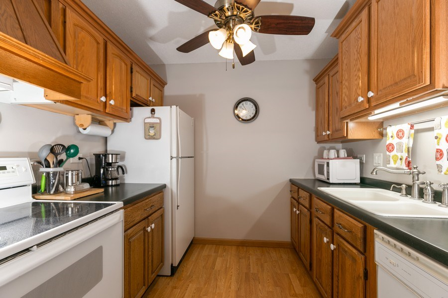 Real Estate Photography - 4045 Hodgson Rd, Unit 109, Shoreview, MN, 55126 - Kitchen