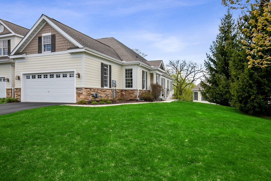 Real Estate Photography - 4850 Steeplechase Cir, Eagan, MN, 55122 - Front View