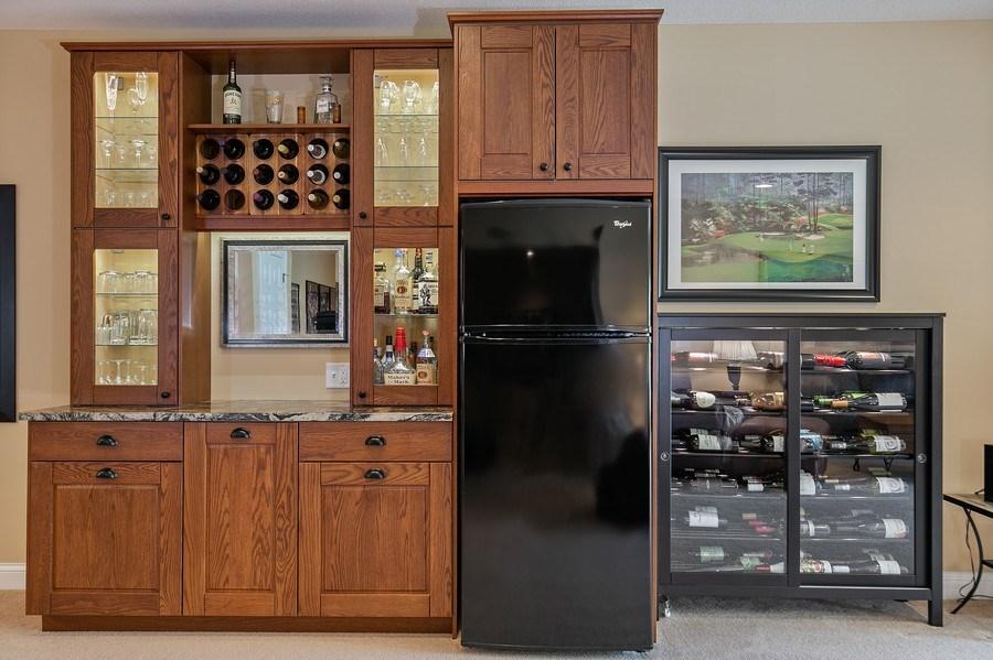 Real Estate Photography - 4850 Steeplechase Cir, Eagan, MN, 55122 - Bar