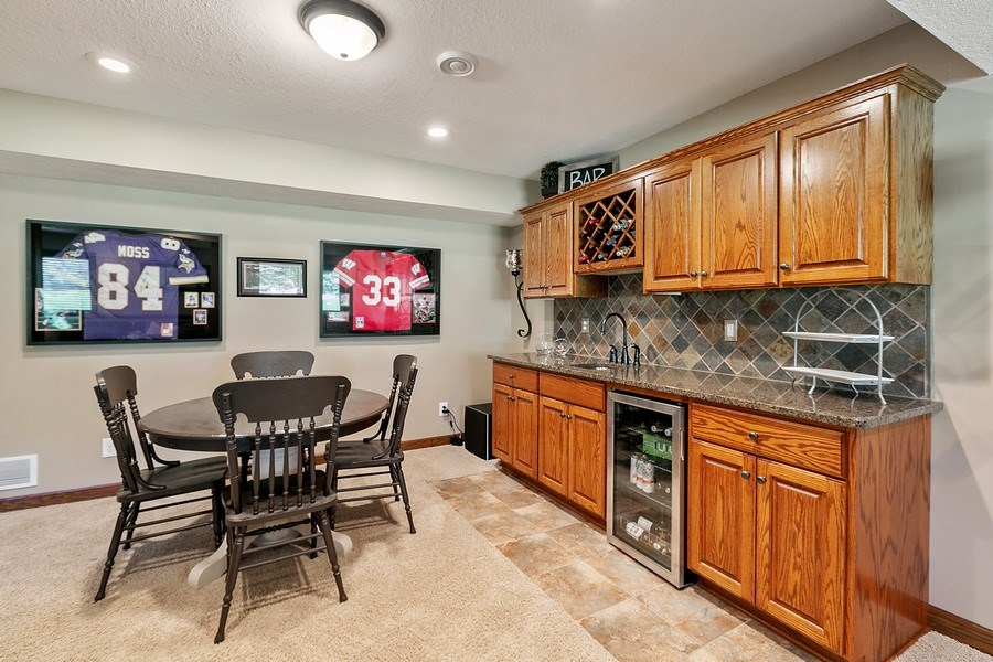 Real Estate Photography - 8589 176th St w, Lakeville, MN, 55044 - Bar