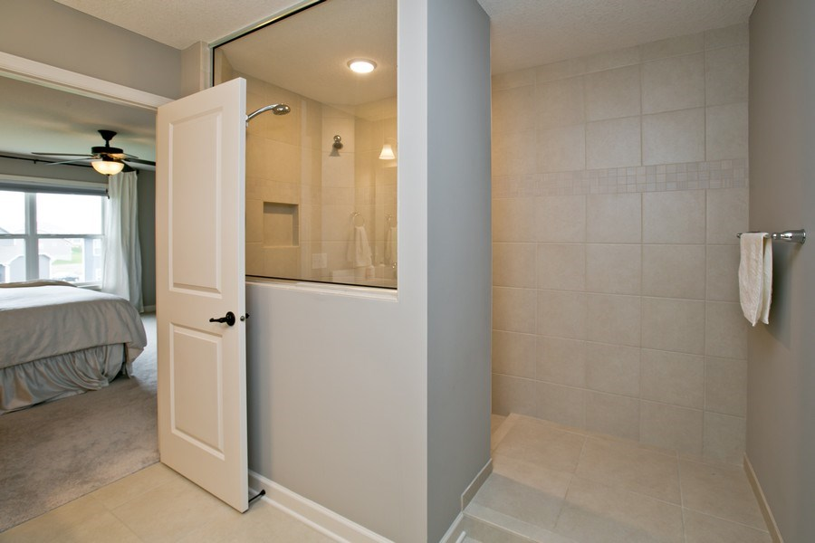 Real Estate Photography - 9274 67th St S, Cottage Grove, MN, 55016 - Master Bathroom