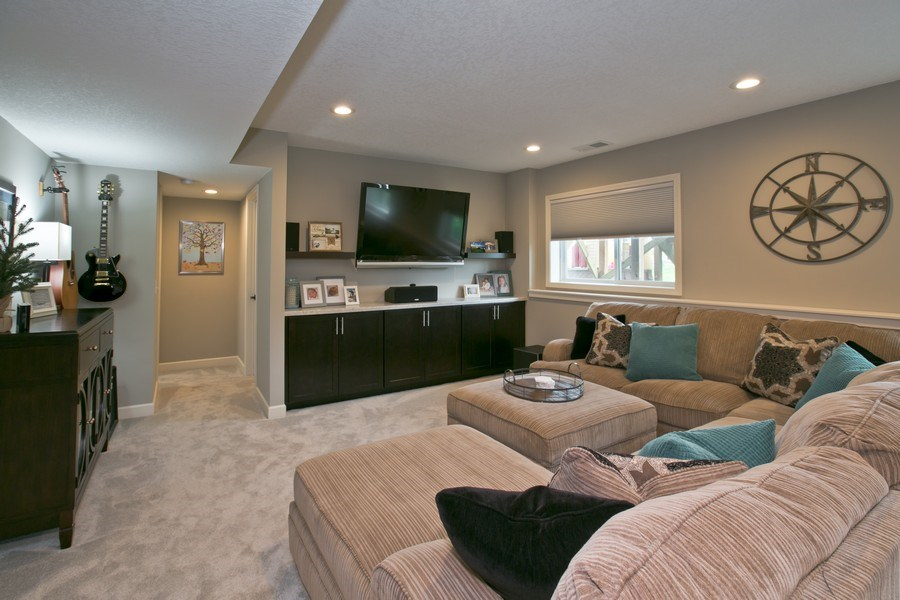 Real Estate Photography - 9274 67th St S, Cottage Grove, MN, 55016 - Family Room