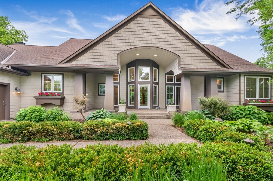 Real Estate Photography - 11614 Cedar Pass, Minnetonka, MN, 55305 - Front View