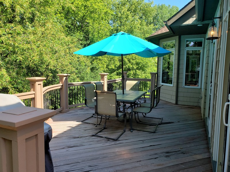 Real Estate Photography - 11614 Cedar Pass, Minnetonka, MN, 55305 - Private Deck