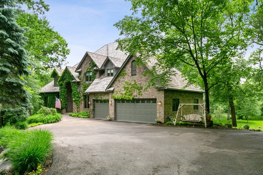 Real Estate Photography - 22861 Ridge Cir, Lakeville, MN, 55044 - Front View