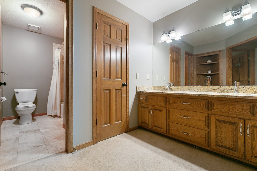 Real Estate Photography - 22861 Ridge Cir, Lakeville, MN, 55044 - Upper Level Full Bath