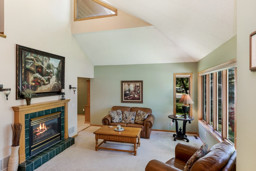 Real Estate Photography - 1802 Sakenda Road, Buffalo, MN, 55313 - Living Room