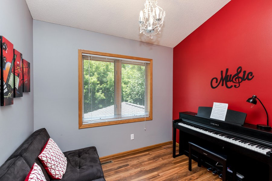Real Estate Photography - 1802 Sakenda Road, Buffalo, MN, 55313 - 2nd Bedroom