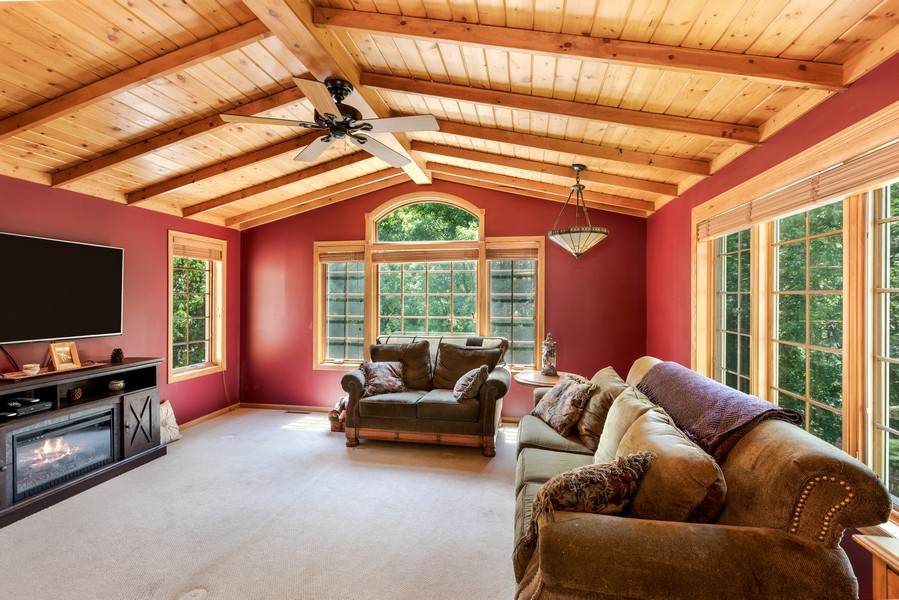 Real Estate Photography - 1802 Sakenda Road, Buffalo, MN, 55313 - Sun Room