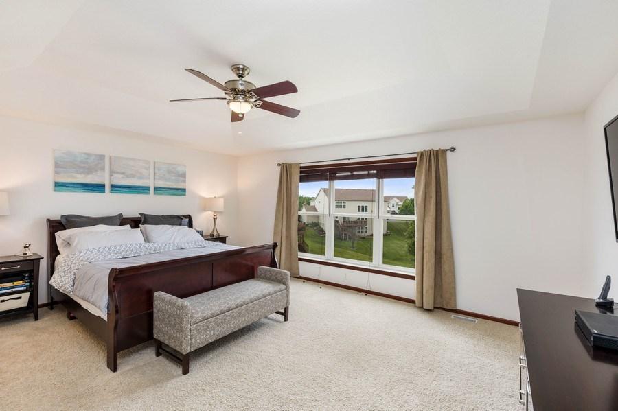Real Estate Photography - 2122 Rockridge Circle, Shakopee, MN, 55379 - Master Bedroom