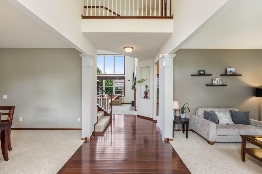Real Estate Photography - 2122 Rockridge Circle, Shakopee, MN, 55379 - Entryway