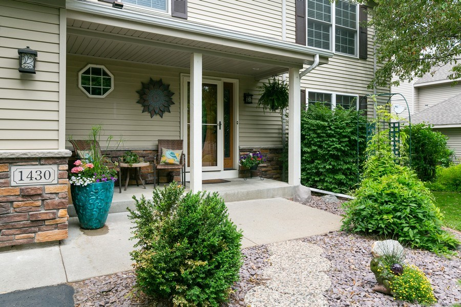 Real Estate Photography - 1430 Aretz CT, Victoria, MN, 55386 - Front entryway/patio