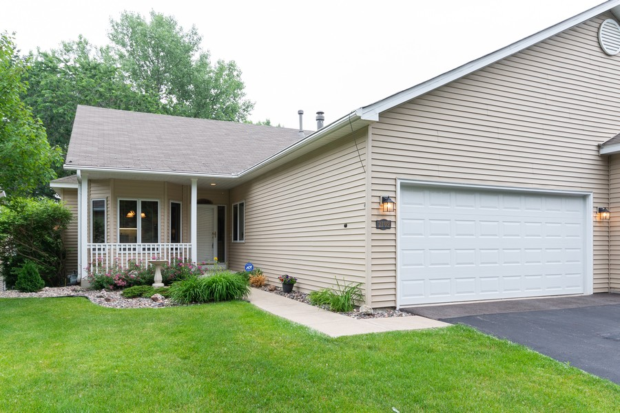 Real Estate Photography - 2109 Overlook Drive, Bloomington, MN, 55431 - Front View