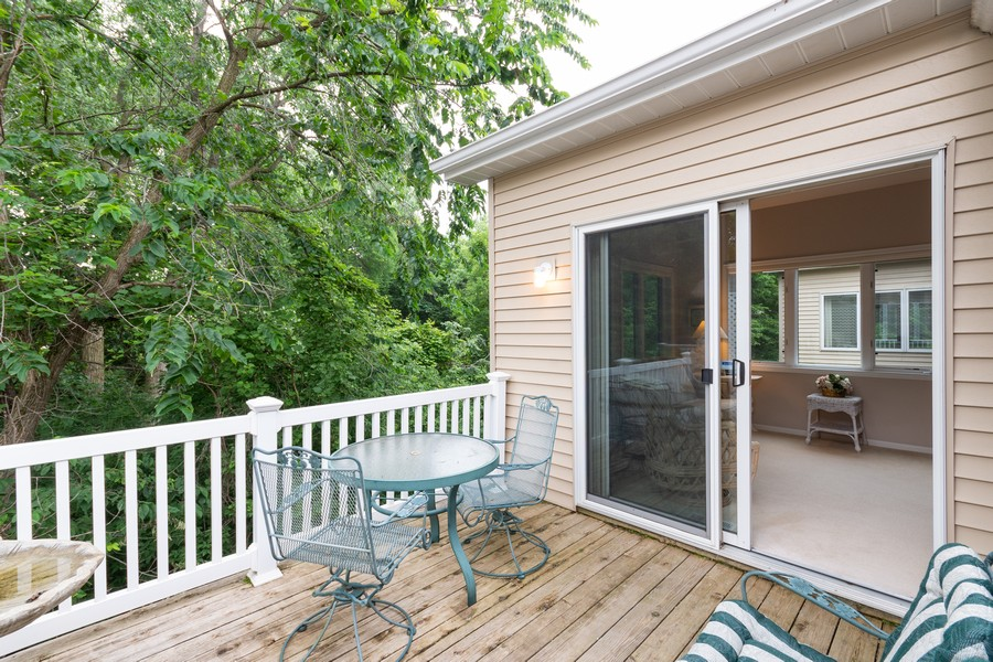 Real Estate Photography - 2109 Overlook Drive, Bloomington, MN, 55431 - Deck