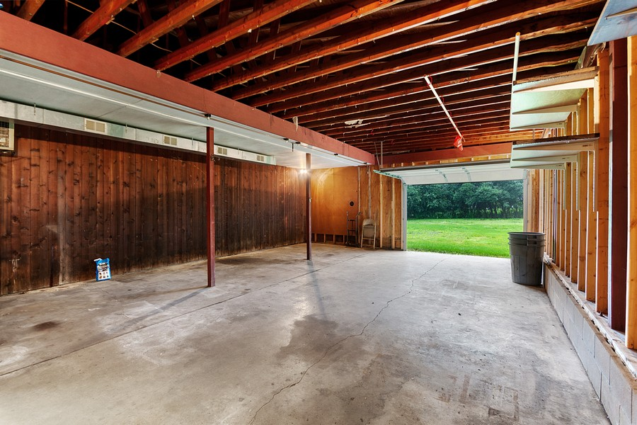 Real Estate Photography - 13830 Sunset Trail, Plymouth, MN, 55441 - 2nd garage
