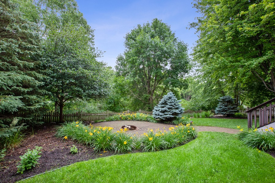 Real Estate Photography - 425 Country Road, Stillwater, MN, 55082 - Back Yard