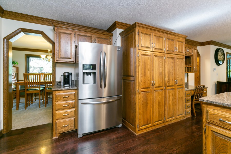 Real Estate Photography - 13311 Greenwich Ct, Apple Valley, MN, 55124 - Kitchen